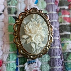Jewelry - Vintage Rose Blue White Cameo Brooch Pin